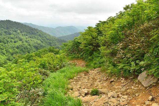 月山 徒歩で姥沢登山口へ下山
