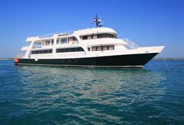 Avalon II barco buceo Cuba
