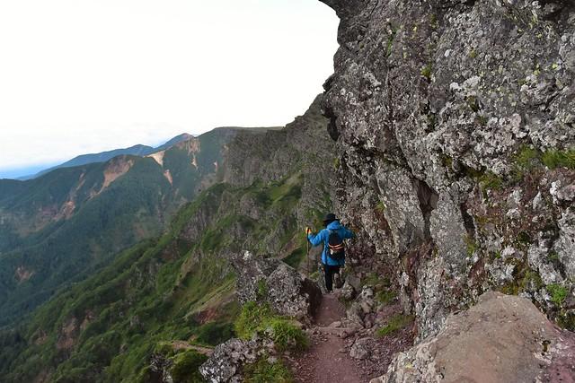 赤岳~横岳 岩の縦走路