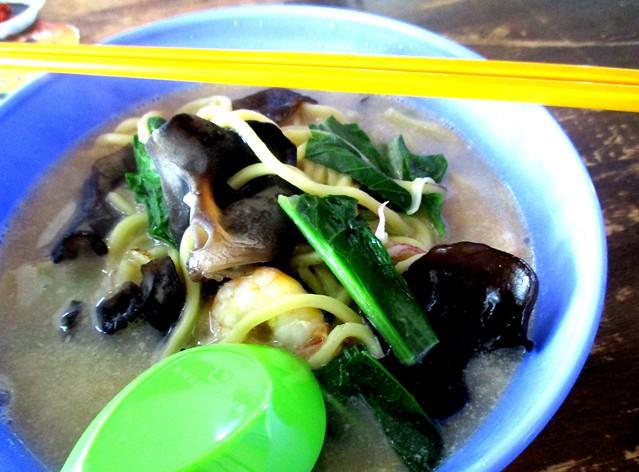 Seafood noodles 2