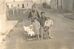 Els avis, Maria (Dolores) Montfort Sanz i Baptista Bel Royo.