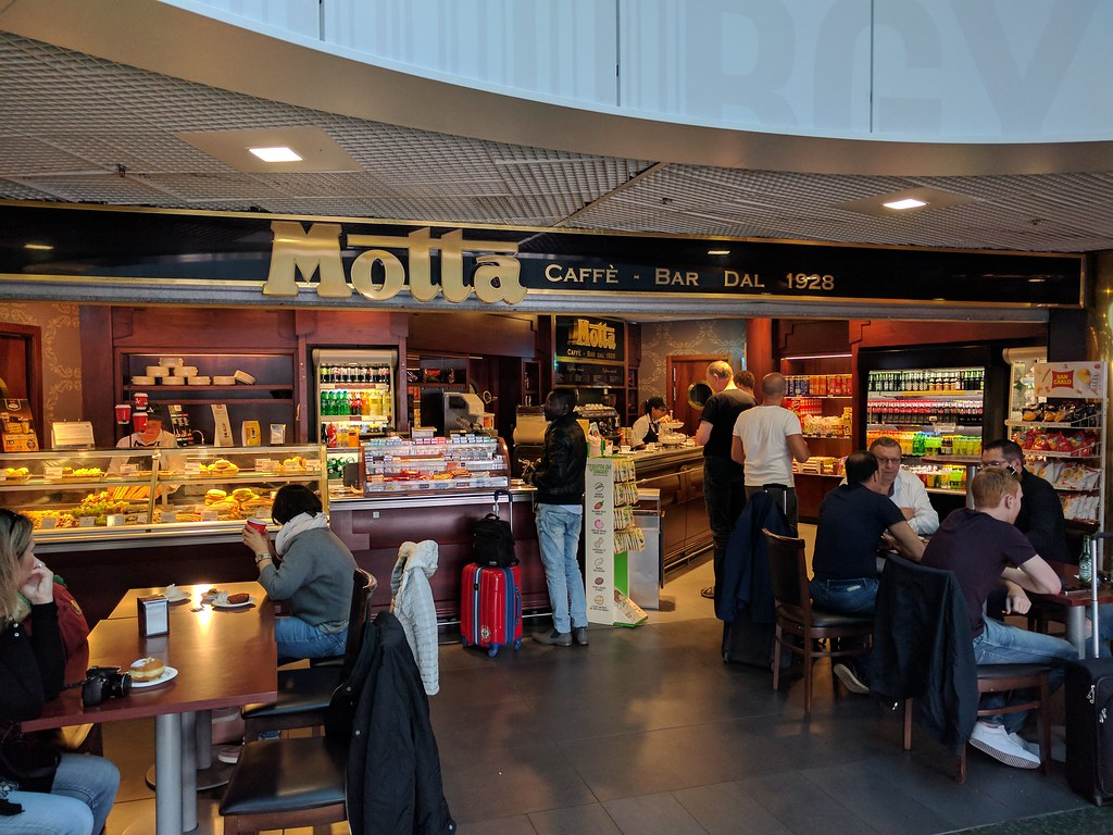 Aeroporto Orio : Bergamo orio al serio aeroporto pista hdr u foto editoriale stock