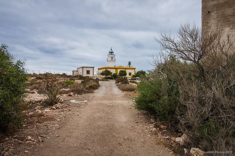 El Faro de Mesa Roldán desde la verja
