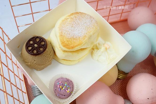 36356487740 0259b33dd1 b - TWO DAY 日日鬆餅。低調藏在觀光夜市裡面的超夢幻小店,有著入口即化的北海道舒芙蕾鬆餅