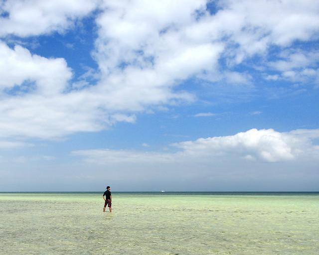 Paisajes turquesas en la Virgin Island de Filipinas, al sur de Bohol