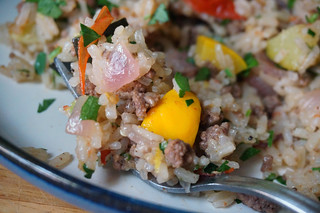 Lemon-parsley rice pilaf with beef and summer vegetables, just one pretty bite | by optionalkitchen