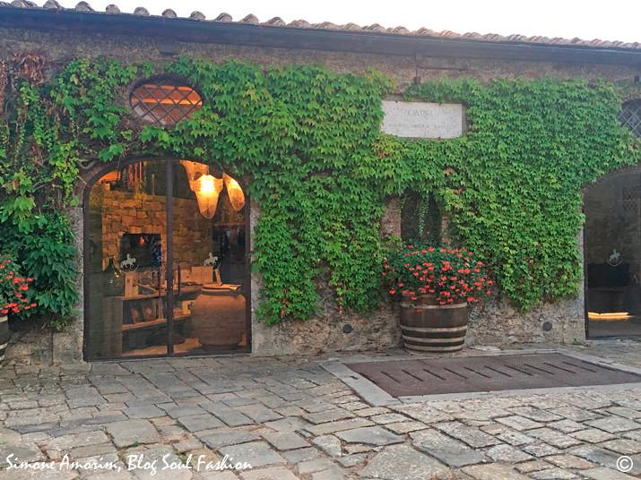 A linda cantina, que assim como a osteria e o restaurante são abertos a não hospedes também!