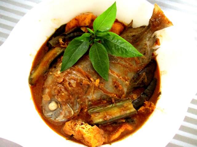 My fish curry, bawal hitam
