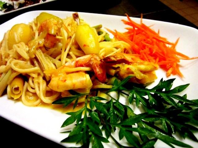 Payung Cafe belimbing prawns spaghetti 2
