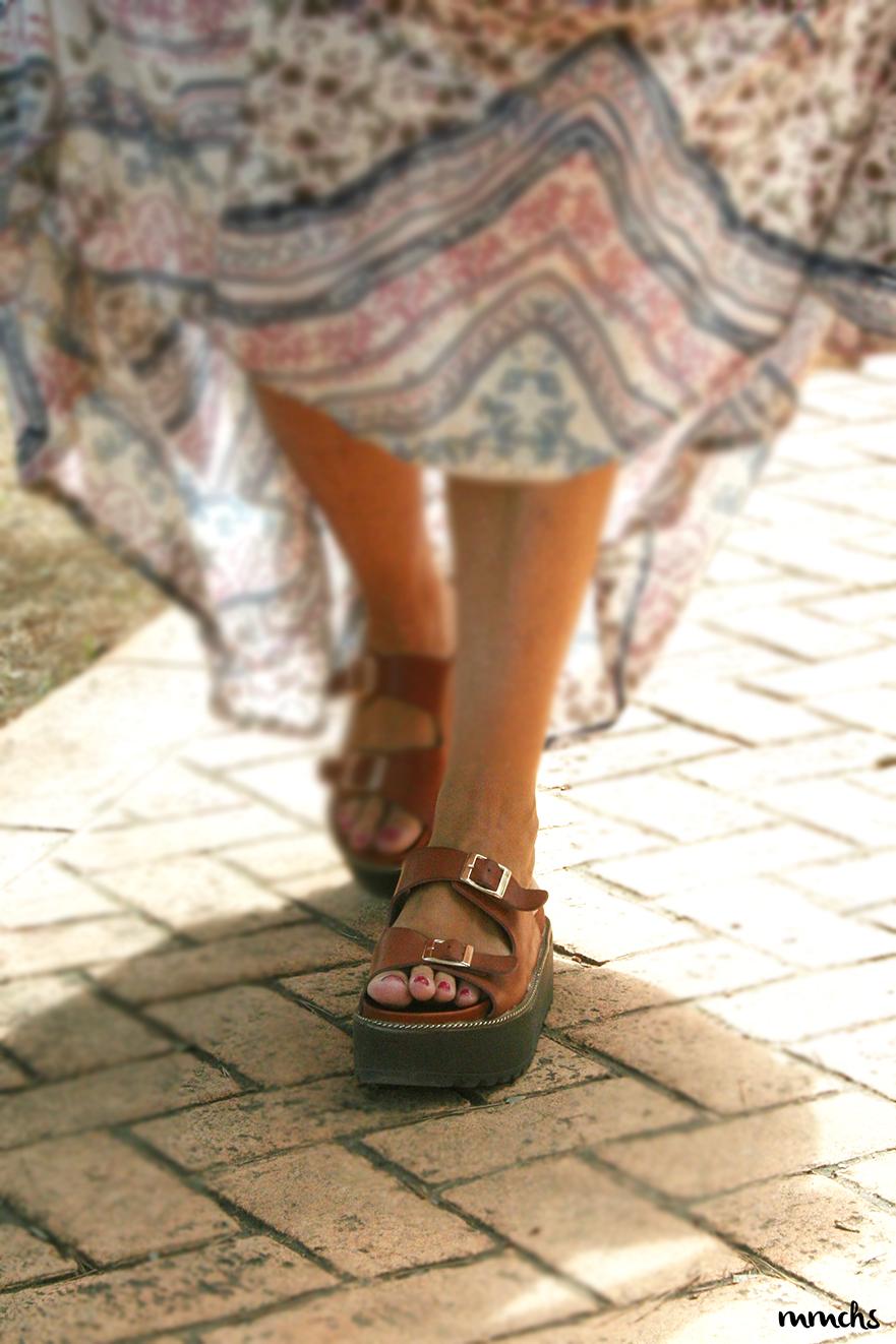 sandalias de plataforma marrones