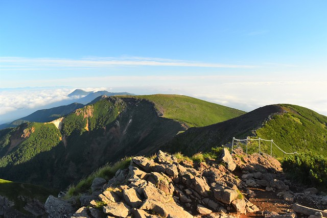 横岳から眺める硫黄岳