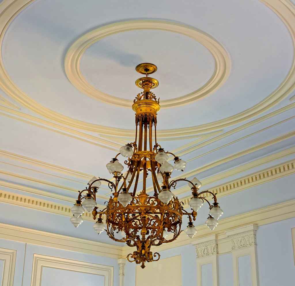 Kronleuchter barock gold viel flammig kronleuchter barock flickr - Kronleuchter barock ...