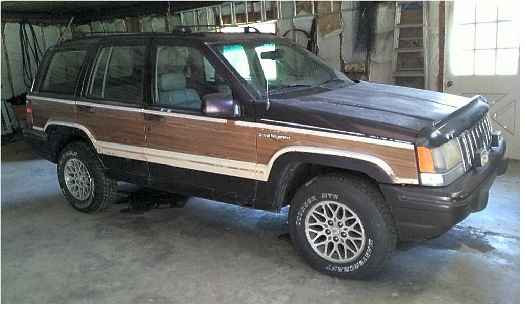 ... 1993 Jeep Grand Wagoneer | By Chescrowel