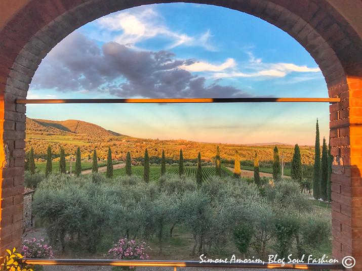 A vista panoramica da Suíte Loggia com as colinas de Siena ao redor.