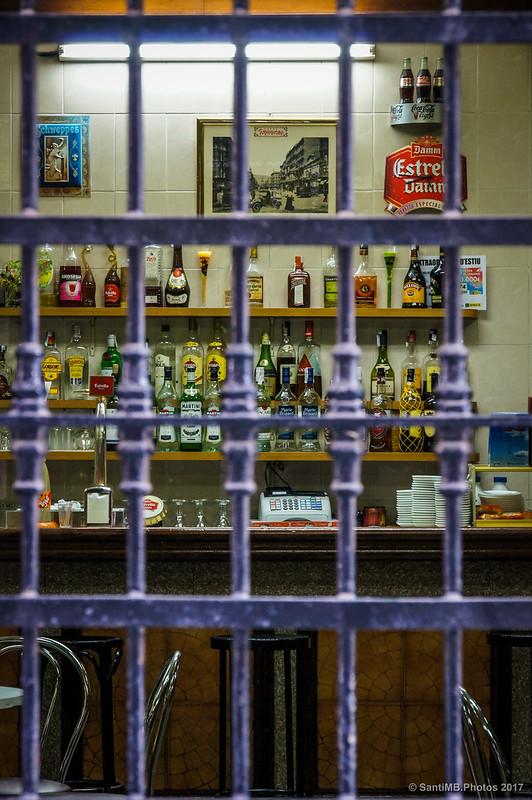 Interior del bar del Ateneu Hortenc