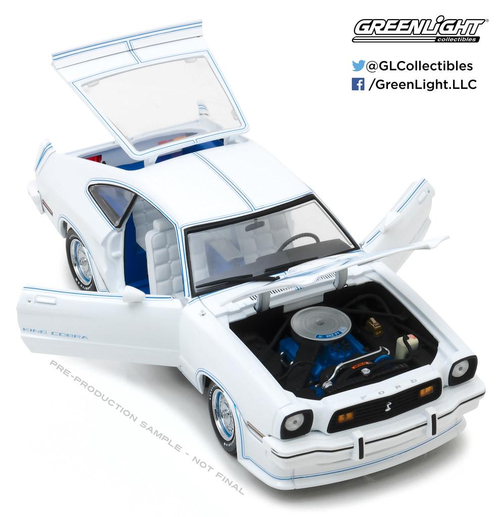 ... 13508 - 1-18 1978 Mustang King Cobra White (Open,High Res)