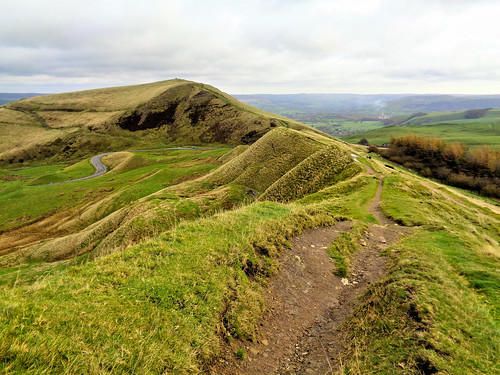 Looking back along Rushup Edge towards Mam Tor