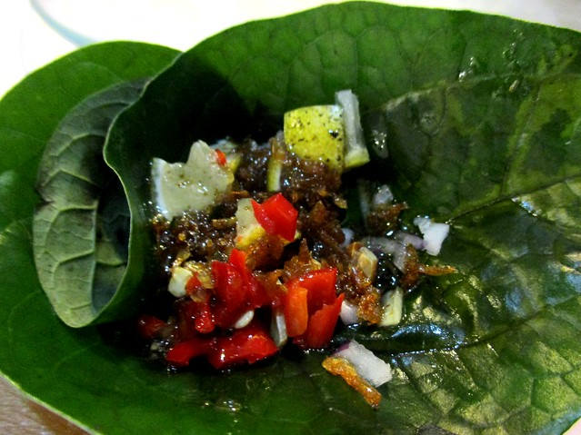 Flavours Thai Kitchen miang kham, add the sauce
