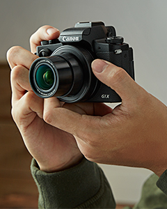 Despite housing a larger sensor and a built-in Electronic Viewfinder (EVF), the PowerShot G1 X Mark III stays compact. It is approximately 27% (CIPA guideline) lighter compared to its predecessor – PowerShot G1 X Mark II, with a form factor comparable to the PowerShot G5 X.