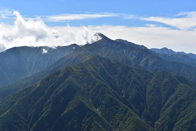 アサヨ峰山頂から見る北岳