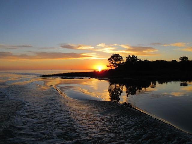 Photo of wake at sunrise by Peter Zitta
