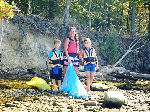 Photo of family at Mallows Bay cleanup day