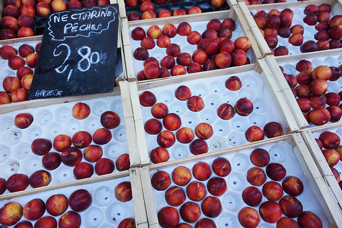 Grenoble nectarines