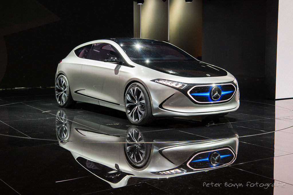 """Mercedes Concept EQA - 2017 