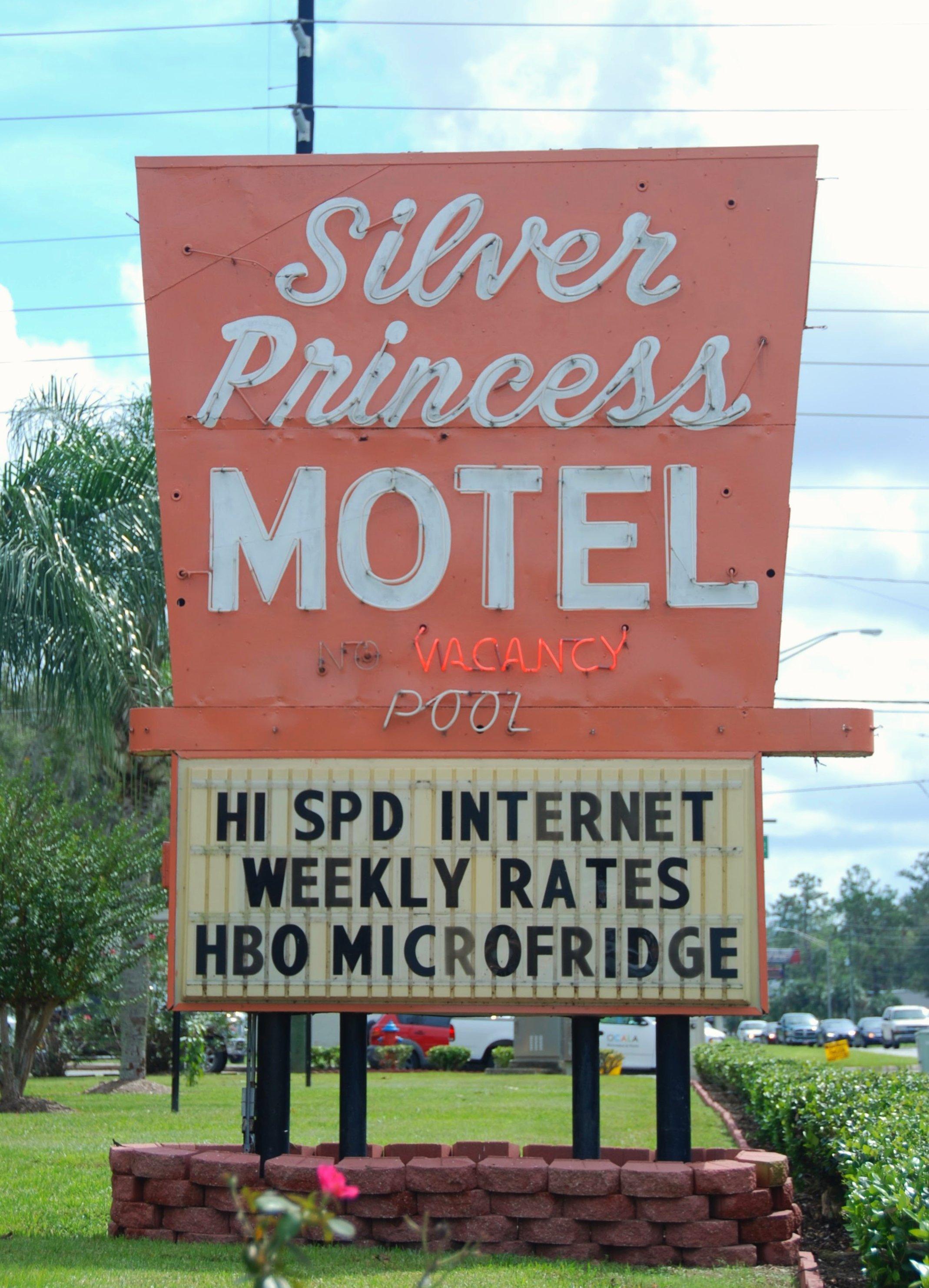 Silver Princess Motel - 3041 South Pine Avenue, Ocala, Florida U.S.A. - October 6, 2017