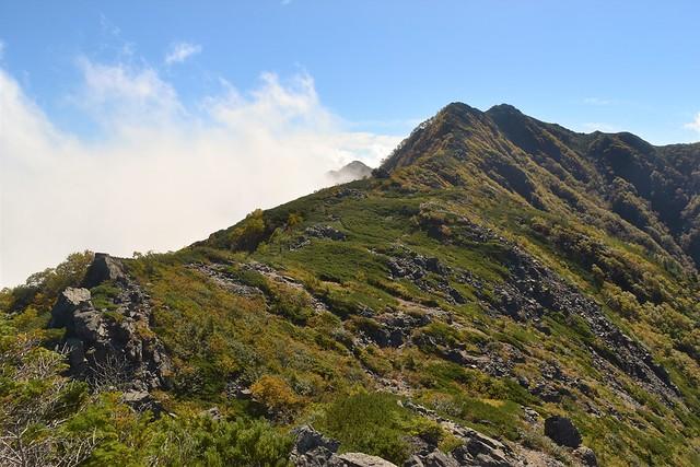 南アルプス・栗沢山~アサヨ峰の稜線