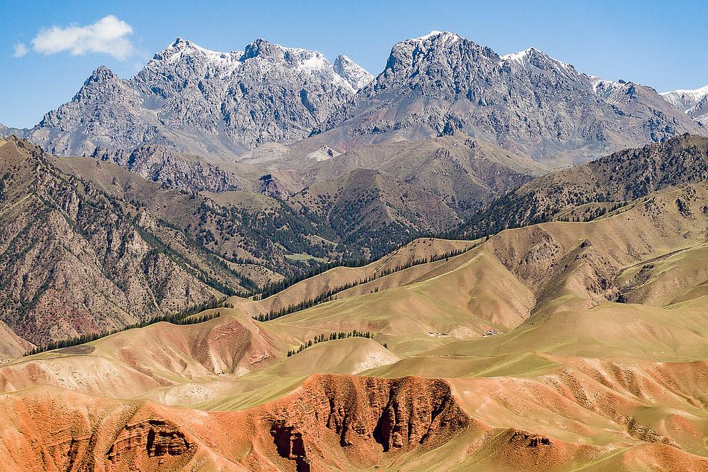 風景綺麗的祁連山國家級自然保護區僅違法採礦項目就有52個。圖片來源:StefanWagener