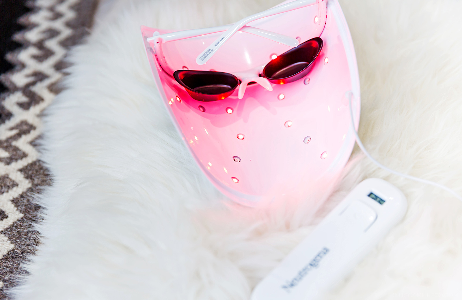 Neutrogena Fine Fairness Light Mask
