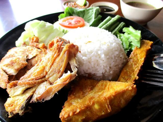 Warong Cafe nasi ayam penyet 2