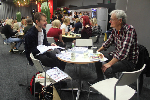 Olof och Johan diskuterar Lilla Fridolf.
