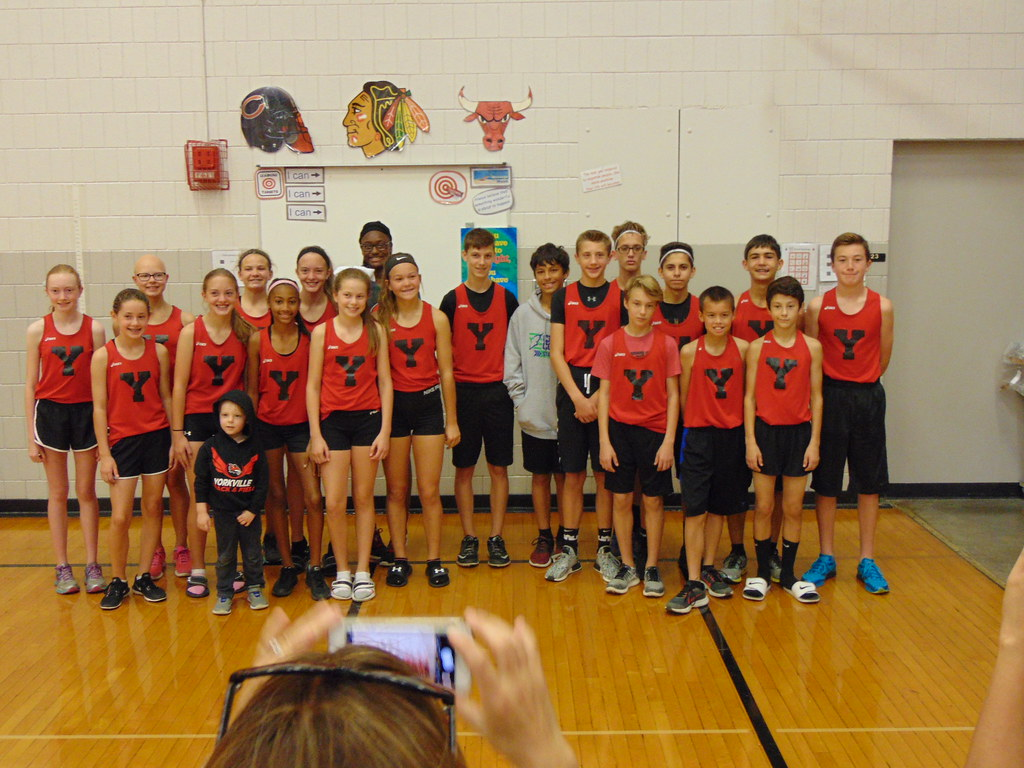 Yorkville Middle School's 2017 IESA State Cross Country Team
