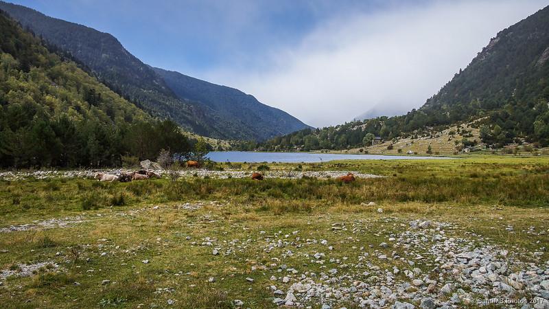 Estany de Llebreta desde el camino que sube a la cascada del Sant Esperit