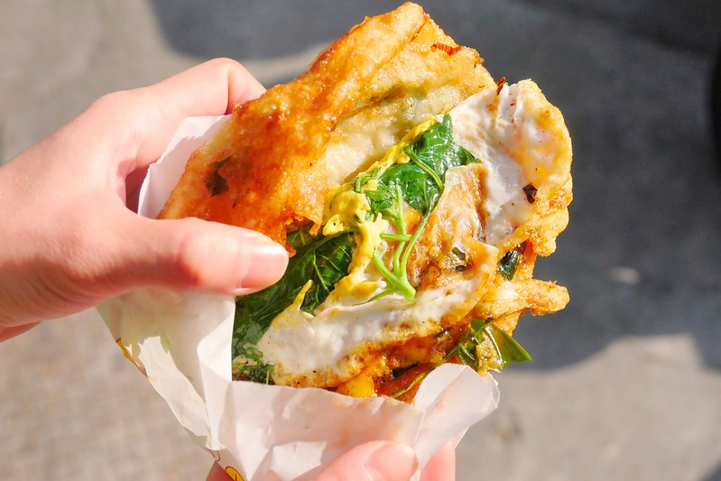 38074153671 354b1a6f59 c - 梅亭街蔥油餅:牛肉餡餅+蘿蔔絲餅兩小時預定完售!網推薦隱藏版蔥油餅