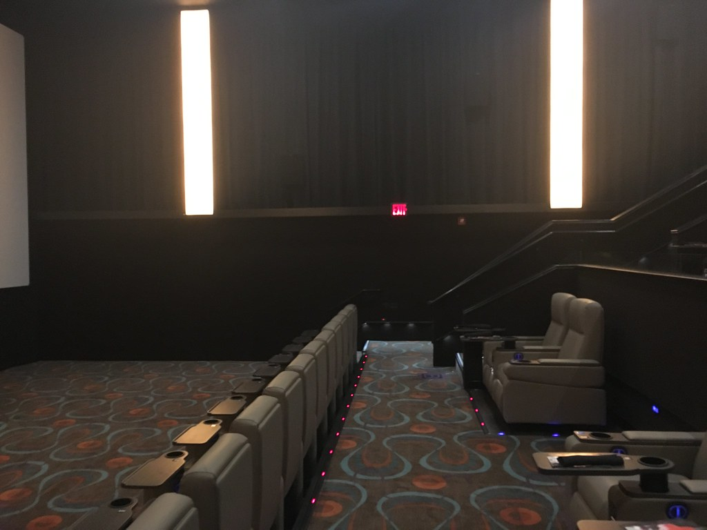 Carmike AMC Dine In Thoroughbred 20