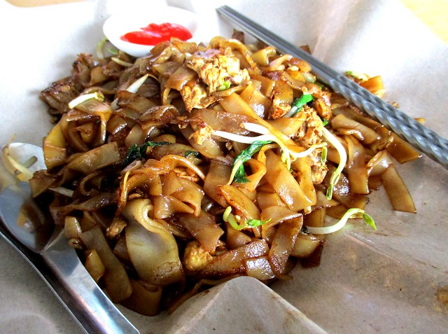 Chopsticks fried kway teow with cockles