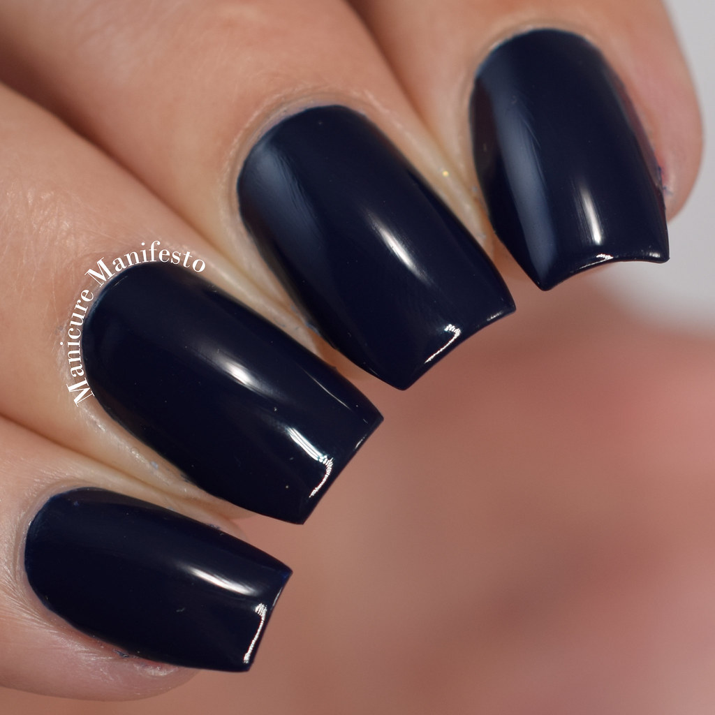 Essie Gel Couture caviar bar
