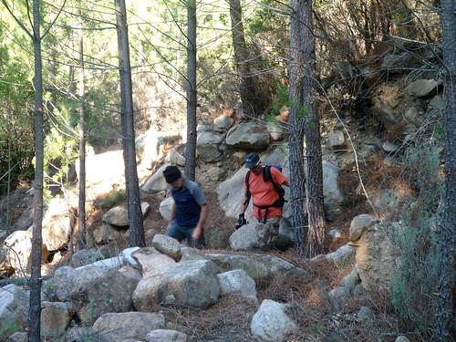 Michel et Claude dans la descente du ruisseau de Peru
