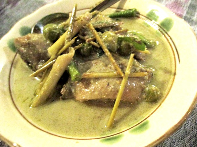 Payung green curry chicken