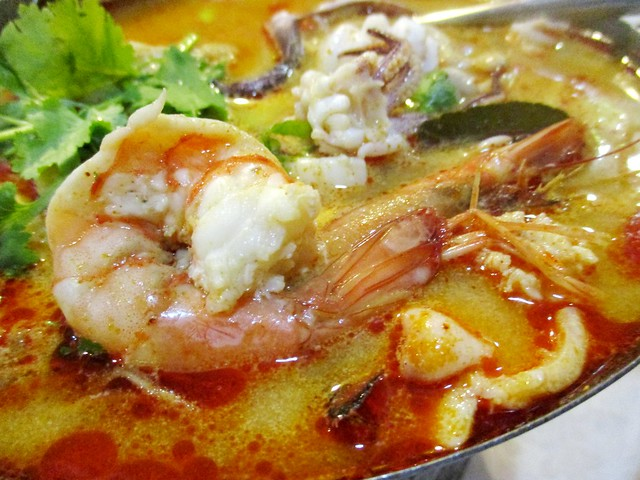 Flavours Thai Kitchen seafood tom yam