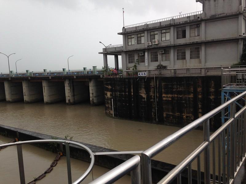 高屏溪攔河堰八八風災後水質濁度屢屢居高不下。攝影:廖靜蕙