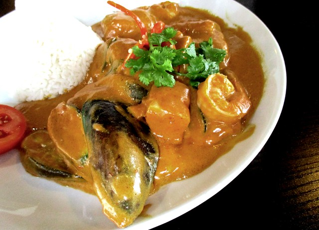 Cafe Ind seafood curry