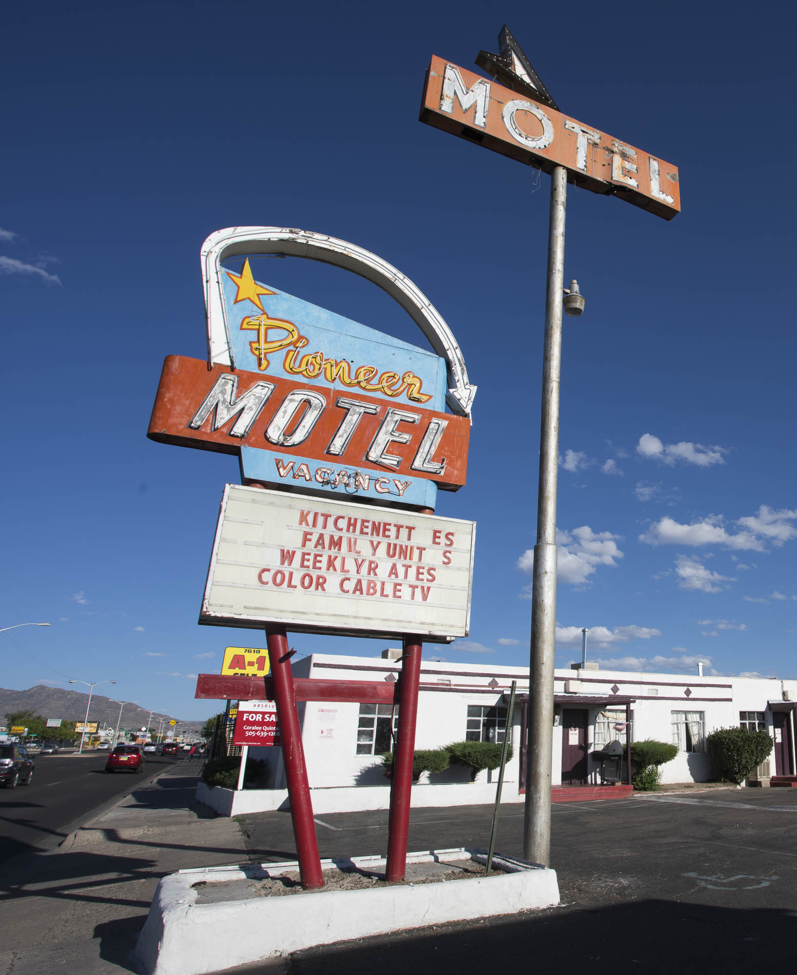 Pioneer Motel - 7600 Central Avenue SE, Albuquerque, New Mexico U.S.A. - September 21, 2017