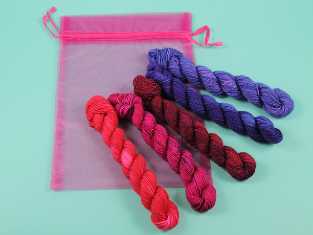 Sock mini skeins hand-dyed gradient/fade kit 100g 'Berries'