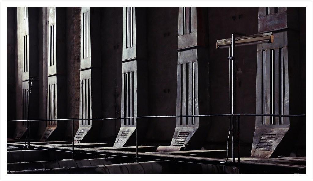 Norbert Kaiser im trockenraum fototour im ehemaligen veb linoleumwerk koh flickr