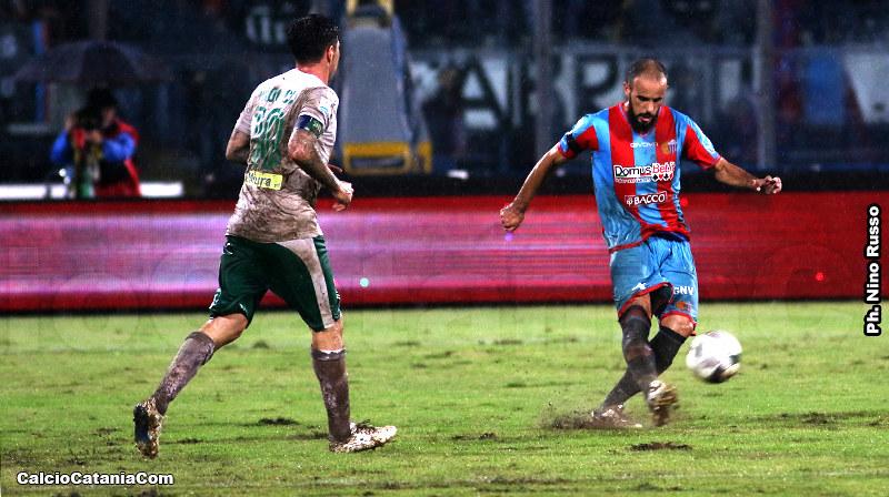 Ramzi Aya in azione contro il Monopoli nella scorsa stagione