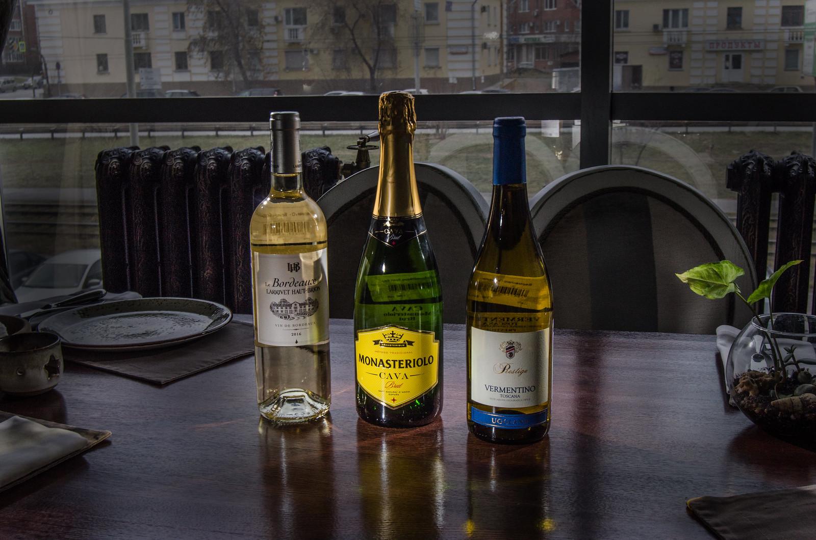 предметный фотограф Екатеринбург - Винотека в Екатеринбурге - Энотека Code de Vino - топ фотограф России